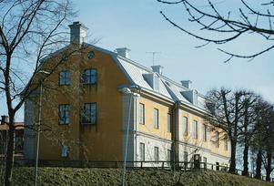 Orionkullen med Gamla flickskolan, Södertäljes äldsta stenhus.