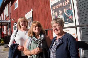Gun-Britt Eriksson, Margareta Hultgren, Lena Eriksson Berglund brukar ta en årlig resa till teatern i Mellanfjärden.