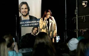 Även 17-åriga Matilda Melin från Frösön sjöng några låtar. Hon slogs ut i Idoltävlingen av Elin Bergman som blev tvåa i finalen och som inledde Idoluppträdandet i Östersund.