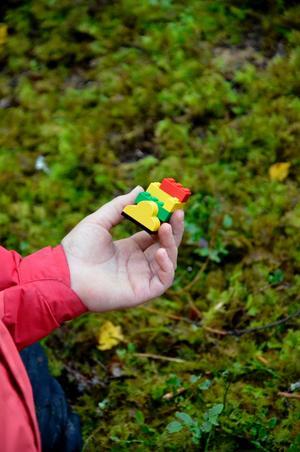 En legomodell, byggd efter instruktioner från en kompis.