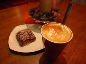 Kaffekonst och omtalad snickerskaka på Java.