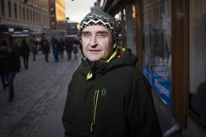 Gunnar Eklöf är Vänsterpartiets representant i Bildningsnämnden, och han rasar mot beslutet att spara nio miljoner på förskolan i budgeten för 2020. Foto: Ludwig Arnlund