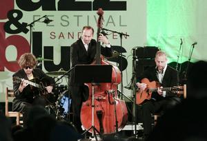 Gustav Lundgren trio hyllade Django Reinhardt på Bangen.