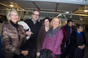 Faxeholmens vice ordförande Berit Kvist, ordförande Urban Wigren och Anette Nord strålade ikapp.
