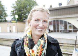 Boel Ekman, 29 år, projektledare inom Unionen, Stockholm.– Jag ska till Stockholm och har betalat 182 kronor, jag bokade för två månader sedan så då blev det billigt.