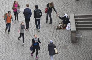 Thomas Bodström (S) vill införa tiggeritillstånd, vilket i praktiken betyder tiggeriförbud.