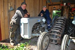 På lördag är det dags för plöjning med veterantraktor i Rönnäs  för andra året. Initiativtagare är Sven-Åke Blomqvist och Olle Köpman.