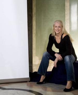 SKAPAR KULTURFÖRÄNDRING. Malena Ernman får Läkerols kulturpris Voice of the year för att fört in