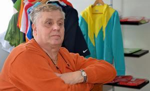 Lars Karlsson, ordförande i Borlänge Tennisklubb, befarar att klubben