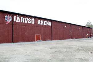 I dag får Järvsö IK 430 000 kronor i driftbidrag varje år. I förslaget från samhällsutvecklingsutskottet föreslås att bidraget ska öka till 700 000 kronor per år.