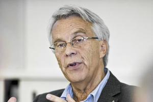 Lennart Bondeson (KD) ger tummen ned till Anders Åhrlins (M) förslag om att sälja Kulturkvarteret.