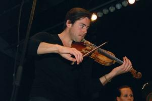 Violinisten Fredrik Syberg – Gunnel Lundholms kanske mest lysande elev – gav en underbar version av Meditation de Thais av Massenet.