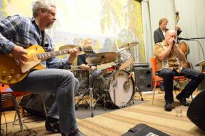 Blues hos PRO. På scenen Kjell Store, Kenth Olsson, Kent Liljendahl och Magnus Schough.