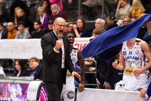 Torbjörn Gerhke och hans lag är laddade för Södertälje i bäst av sju i Basketligans semifinaler. Foto: Ola Norén / Frilansfotograferna.