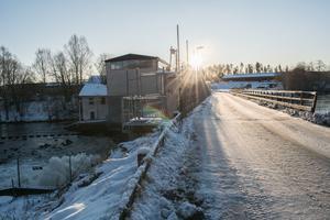 Alternativen är att stänga bron för motorfordonstrafik eller reparera den för tre miljoner kronor.