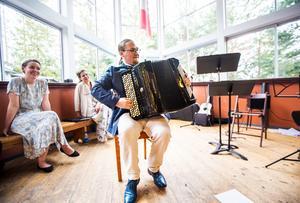 David Wahlén kläckte idén om dragspelsopera – som blivit en av operafestivalens höjdpunkter.