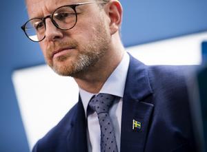 Iinrikesminister Mikael Damberg deltar vid pressträffen. Bild: Pontus Lundahl/TT