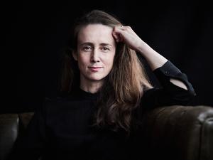 Jessica Cottis fick rycka in med kort varsel när chefdirigenten skadat handen. Bild: Kaupo Kikkas