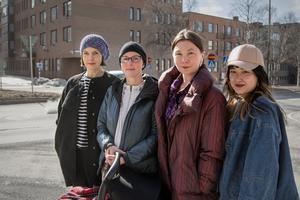 Konstnärerna som arbetar med projektet. Från vänster: Alicja Rogalska, Malin Ståhl, Anita Wernström och Hiroko Tsuchimoto