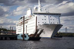 Så här såg fartyget ut närdet låg i Utansjö hamn och blev rikskänd som Ocean Gala.