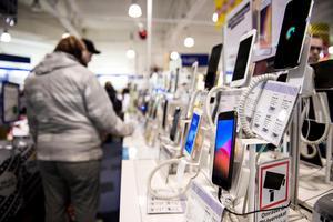 TV-apparater och mobiltelefoner är något som säljs mycket av.