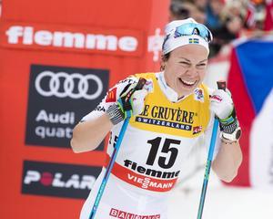 Emma Wikén, här under jaktstarten i Val di Fiemme, 2018, tog hem damklassen i Daniel Karlssons Minne. Foto: TT