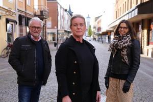 Peter Blom, kommunikationschef på Skara kommun, Anna Engesvik, projektledare för MEGA och Skara Handels kassör Charlotta Lidberg. Foto: Skara kommun