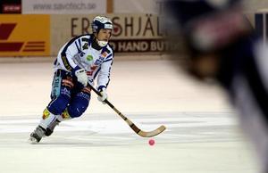 Jesper Eriksson och hans Villa kom ingenvart mot Edsbyn och föll med 0–4. Lagets största förlust den här säsongen.