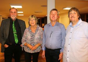 Kommer Alliansen i Hallsberg  säga ja till frieriet från SD, eller går någon av dem över till Socialdemokraterna för att få regera i majoritet? På bilden Anders Lycketeg (C), Kerstin Rennerfelt (L), Torbjörn Appelqvist (M) och Martin Pettersson (KD) från Alliansens valvaka.