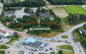 I det inringade området i Njurundabommen vill Mitthem bygga ett hus med 30 hyresrätter. Bild: Sundsvalls kommun