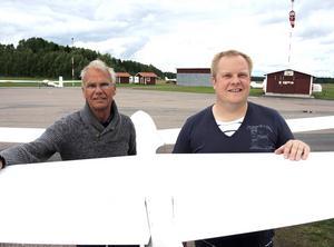 Kjell Dalsheim och Lars Olov Liss från Västerdalarnas flygklubb har hållit på med planeringen av Flygfesten i över ett år.