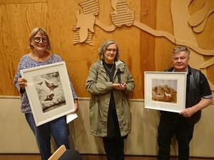 Marin Hurtig, Marianne Andersson och Erling Nilsson hörde till de som fanns på plats och som vann priser. Foto: Maud Sjöstedt