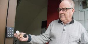 Blipp som klickar. Rejäla inkörningsproblem har mött de nya elektroniska låsen som KBAB satt in. Svante Eriksson har stundtals varken fått tidningar eller post när låset vägrar öppnas.