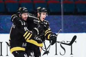 Garry Nunn fick jubla tre gånger mot Oskarshamn, och har nu gjort tio mål på de nio senaste matcherna han spelat. Foto: Andreas Sandström / Bildbyrån
