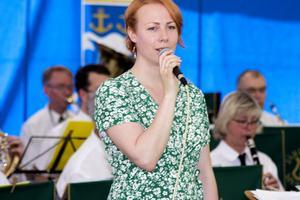 Jenny Holmgren bjöd på skönsång.