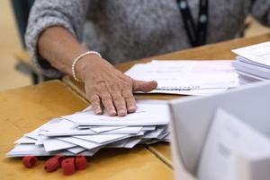 Foto: Johan Nilsson / TT   Rösträkningen av EU-valet
