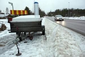 Enligt trafikpolisens gruppchef i Falun, Johan Alm, är det främsta syftet med trafiksäkerhetskamerorna att sänka medelhastigheten.