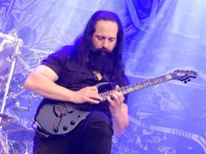 Gitarristen John Petrucci var med och bildade Dream Theater redan 1985. Då under namnet Majesty. Foto: Janne Mattsson