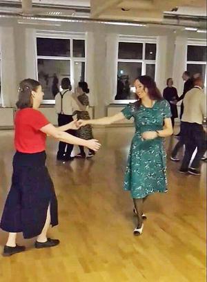 Enda bilden jag har från mina taffliga försök som lindy hop-dansare.