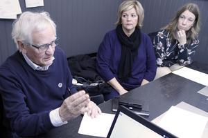 Allan Cederborg representerade Moderaterna, som är emot ett vägbyte. Dessutom var Christina Hellspong och Sandra Ahlzén med på träffen.