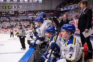 Leksandsspelarna deppar under ishockeymatchen mot HV71 förra helgen. Foto: Daniel Eriksson/Bildbyrån.