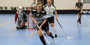 Beatrice Johansson slog till två gånger om mot Örebro men det räckte inte till seger.