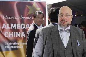 Den kinesiska ambassadören hoppades kunna påverka svenska beslutsfattare i Almedalen.  Det här är en ledartext av Patrik Oksanen.