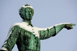 Karl XII står staty i Kungsträdgården i Stockholm. Foto: Henrik Montgomery/TT