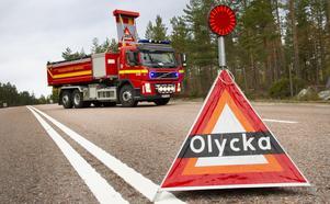Förra året dog 324 personer i vägolyckor i Sverige. Vid ungefär en tredjedel av alla dödsolyckor var alkohol och/eller droger inblandade.