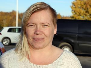 Veronica Olsson är skeptisk till hur en generell hastighetsbegränsning till 30 kilometer i timmen ska bli efterlevd.