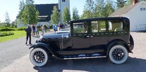 Lennart Wiman från Enskede med  Buick 1924 framför Yttermalungs kapell.