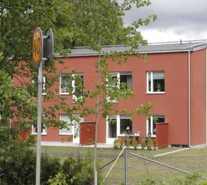 En gruppbostad med sex lägenheter finns på Nyckelön i Kvicksund. Byggföretag har ansökt om att få bygga flera.