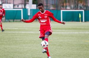 Abdigani Mahad Omar gjorde två mer eller mindre identiska mål på hörna.