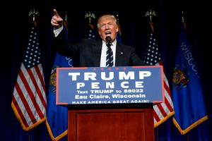 Gunnar Olofsson tror inte att Donald Trumps plan ger fred i Mellanöstern. Foto: Evan Vucci